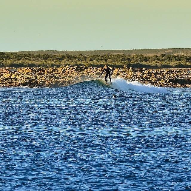 Pointbreak patagónico.- @gauchosdelmar #soul #surfing #waves #weekend #reefargentina