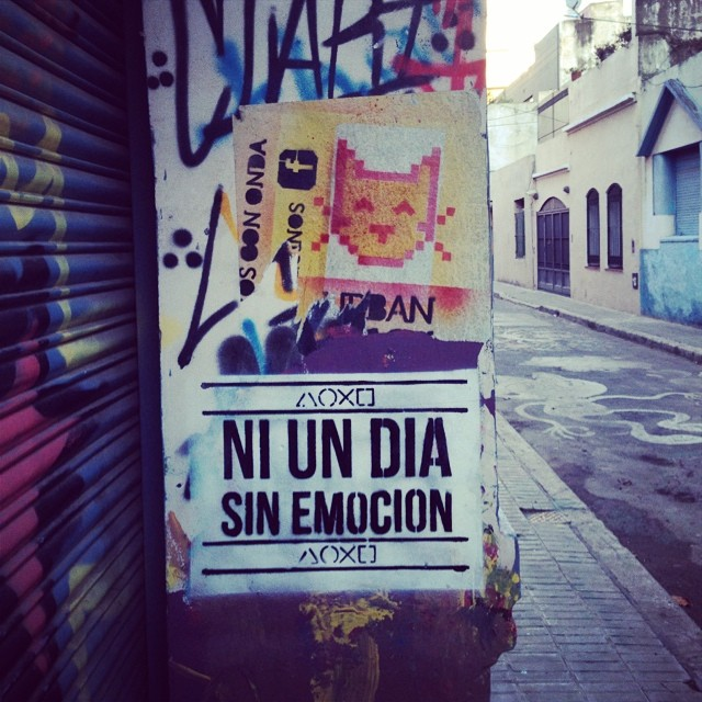 La pared se comparte ❤️ #playstation #póster #pasteup #cat #streetart #spray #stencil