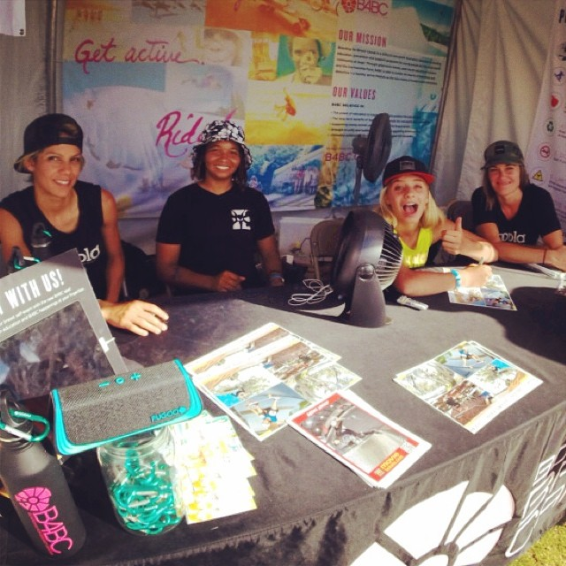 We had an awesome autograph session with the @hooplaskate team at the @B4BC booth at #XGamesAustin!  Thanks to @eliana_sosco, @samarriabrevard, @alanasmithskate, & @knoopdogg for stopping by!! Be sure to catch these girls tomorrow  at 1pm for...