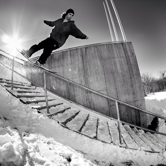Big front nosepress in #issue31 #steezmagazine of #rjcruz shot by @kevinmcavey #snowboarding #nosepress #urbanriding