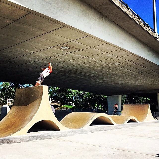 The new Eugene park looks super fun! @masonmerlino giving it a roll. PC: @daltondern #bult