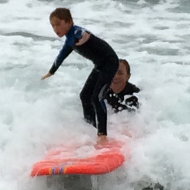 He's only 6!  #surfwithnicole #benjaminstone #nicolepratt #surfschool