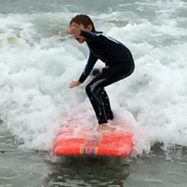 6 Year old Benjamin Stone takes a lesson from Pro Team Rider, Nicole Pratt.  You can to with Surf With Nicole surf school this summer. Thanks Nici #benjaminstone #surf #nicolepratt #surfwithnicole #surfschool