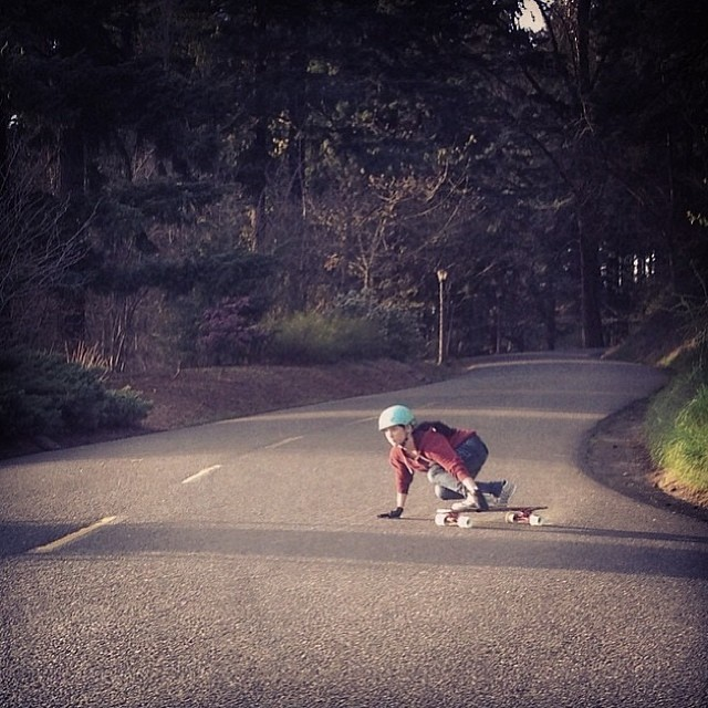 This week we feature our incredible team of girls who bring their own style and sport to the table. Here's @cocomarii originally from Lima, Peru, raised in Miami and currently settled in #Portand Oregon. She likes to go #fast! #marisanunez #longboard...