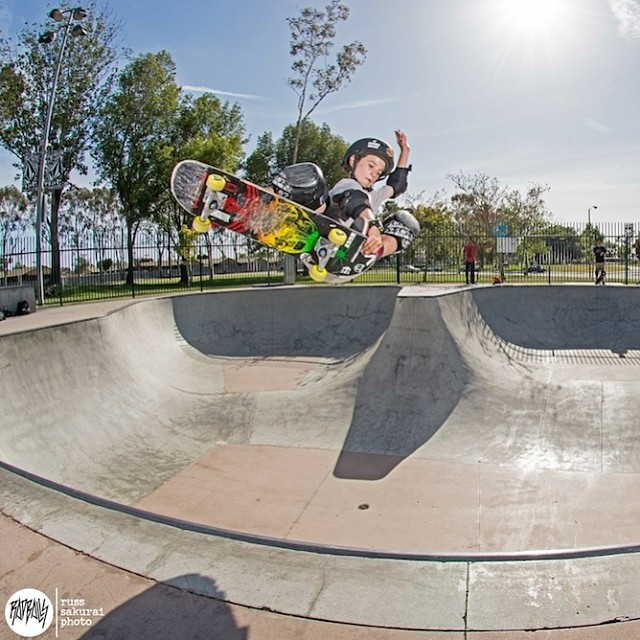 Taylor Nye- @taylor_sk8r Steezy Crail for the boys! Photo: Russ Sakurai #bulthelmets #bult #videohelmets