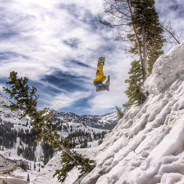 Team rider from #Utah @shansen212⛄️#frostyheadwear #snowboarding #frostyvision