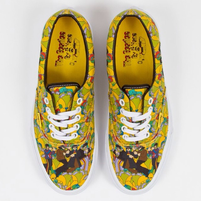 El modelo Era - Yellow Submarine, disponible en Cristóbal Colón, Dionysos, Fuencarral, Red Market, Fitzrovia y Rocky Point #vansxbeatles