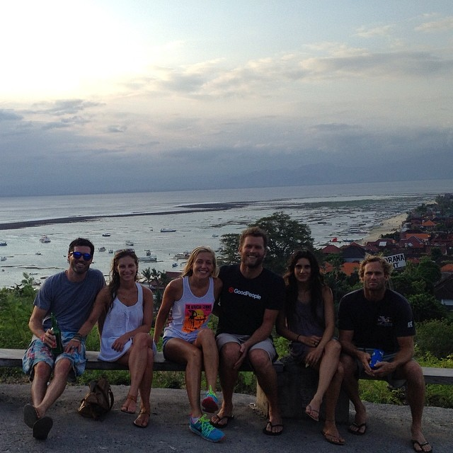 No wonder why it's called #PanoramaPoint // Group shot #America #Mexico #SouthAfrica represent #sunsetchasing #sunset #bali #indo #islandlife #nusalembongan #exploremore