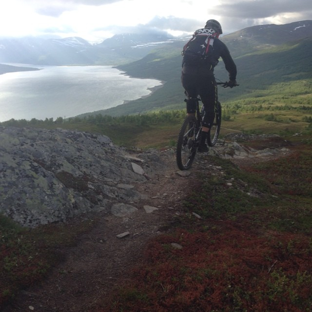 Having a blast with the @vpgno crew up here in Oppdal, Norway. Thanks for the great single track  @trygvesande and @eirikfinseth.