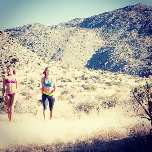 #happysaturday from @annaehrgott and @helina___ #explore #withoutwalls @gowithoutwalls -- #boho #surf and #short in #berry #splash and Anna in the #bombora #top in #azure and #coral -- #photo @stereosurf