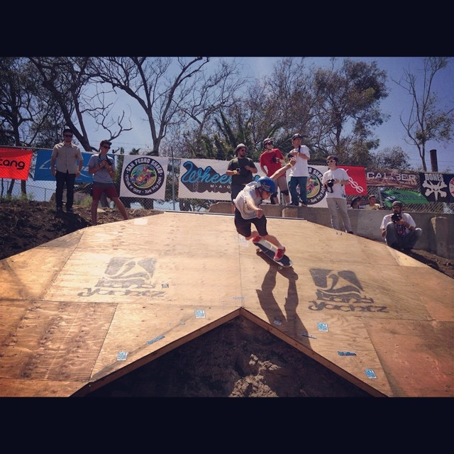 @_jensen_7 slashing the big walk during the #sanpedroshred festi! #calibertrucks #caliberstandards PC: @bigdave_hsf