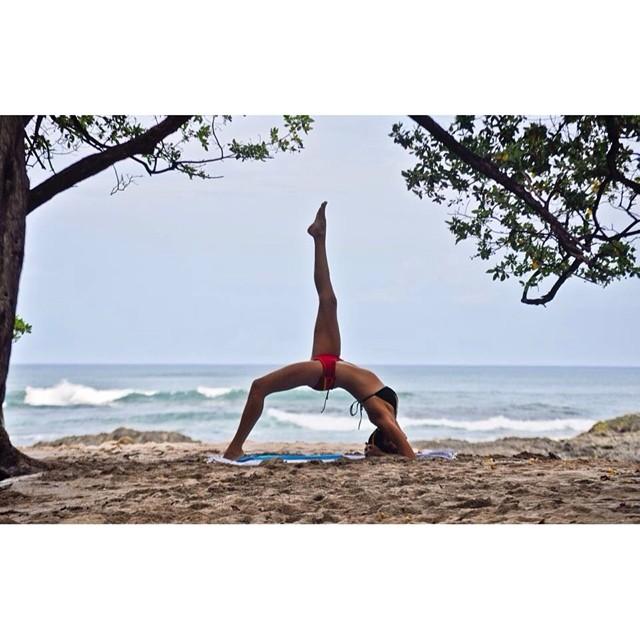 Hali Love xoxo. Photo by @sambatothesea #costarica #puravida #miola #miolainaction #miolainthewild #dirtbagdarling #playoutside #calaluna @dirtbagdarling