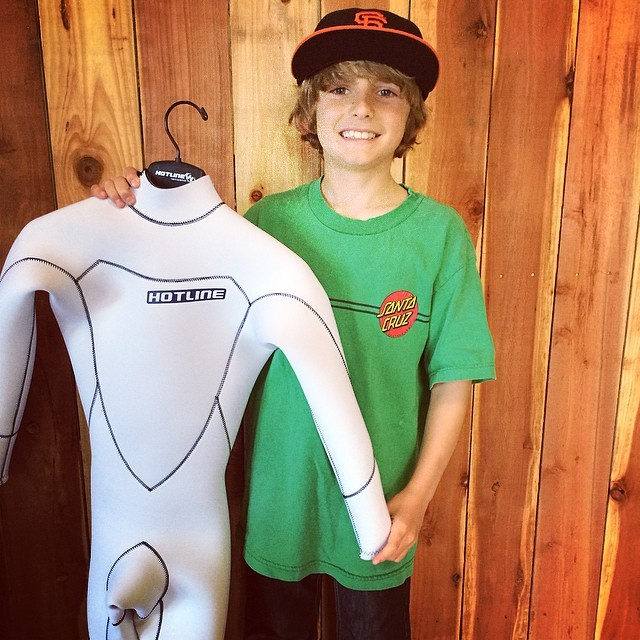 ~Custom suit for SC mini-ripper Cian~ #HotlineWetsuits #SantaCruz #SuperGrom #Summer #Custom #Local