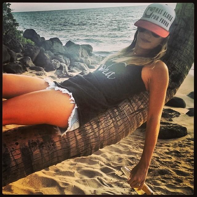 Happy Cinco De Mayo from HI Minded New website coming soon..... #himinded #surfing #hawaii #surfcompany #maui  #cincodemayo #corona #masalohaporfavor #truckerhat #surfergirl  #beachbabe