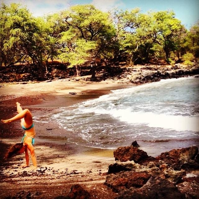 Looks beautiful in Maui this AM @sehsa We are there with you in spirit! #tropicalyogi #sarahcallaham #maui #mauiyogashala #scorpion #master #love #warmwater #blacksandbeaches #sacredplaces #hawaii #namaste
