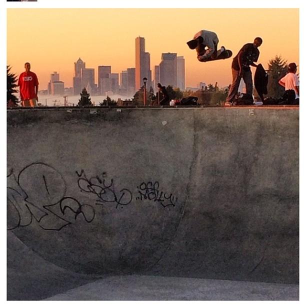 Regram @ham_n_cheese (aka rad photographer #joehammake) the #emeraldcity #skateboarding #concretedreams