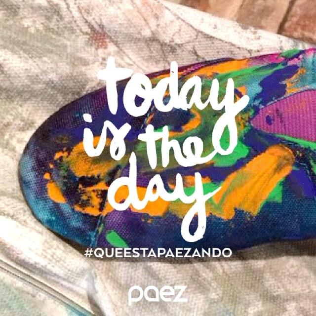 Stay tunned #queestapaezando to see crazy and buena onda people tonight!!! #elmatadero #madrid #paez #paezperformance