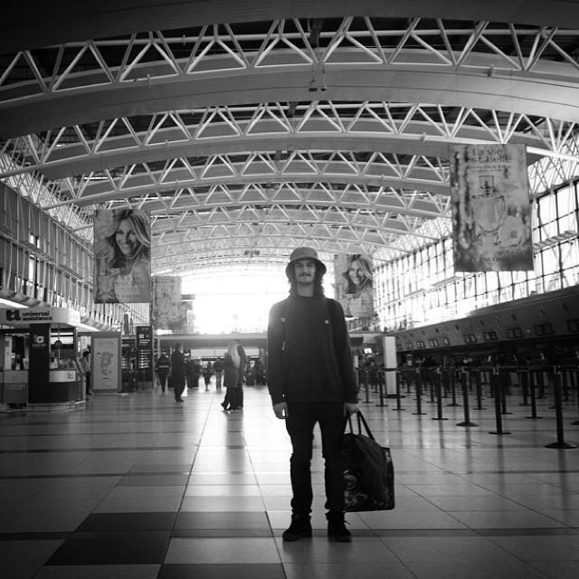 Buen viaje @renatodonadei esperamos buenas tomas para compartir con la familia desde las redes ! #skate #Renatodonadei #Spain #volcomfamily