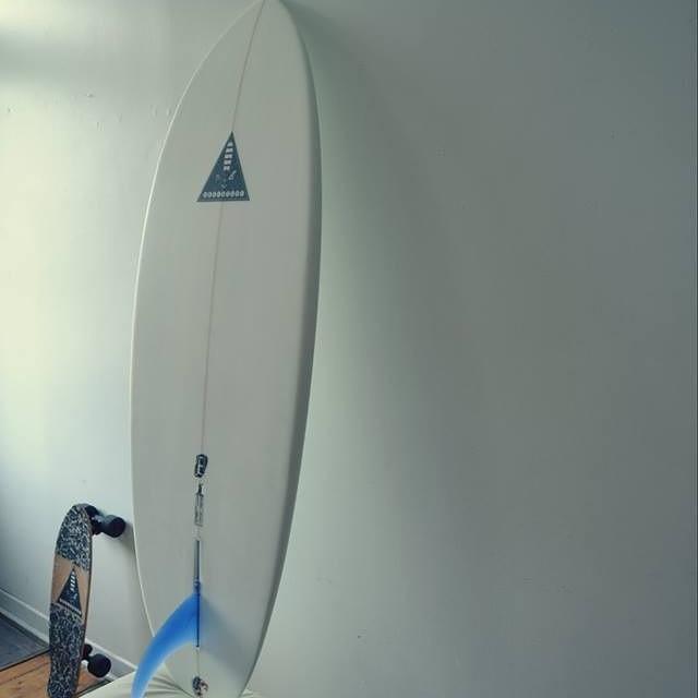 Akela Surf New Single Fin