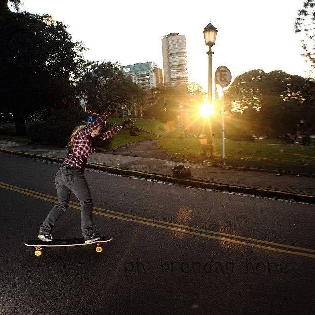 Longboard Girls Crew Argentina ambassador @poliwifi shot by brendan hope. Esa poli!!! #longboardgirlscrew #girlswhoshred