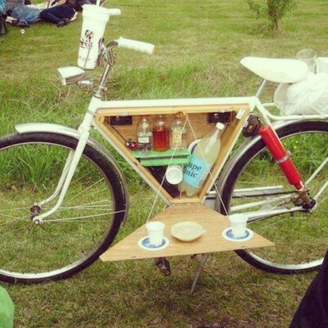 The Ultra-Portable Bar for Life in Motion! What would your bar be stocked with? #jager #bombay #portable #bar #bicycle #hipster #essentials #boombotix