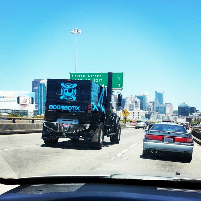 Catch us on the road! #sanfrancisco #101 #eastbound #weouthere #boombotix
