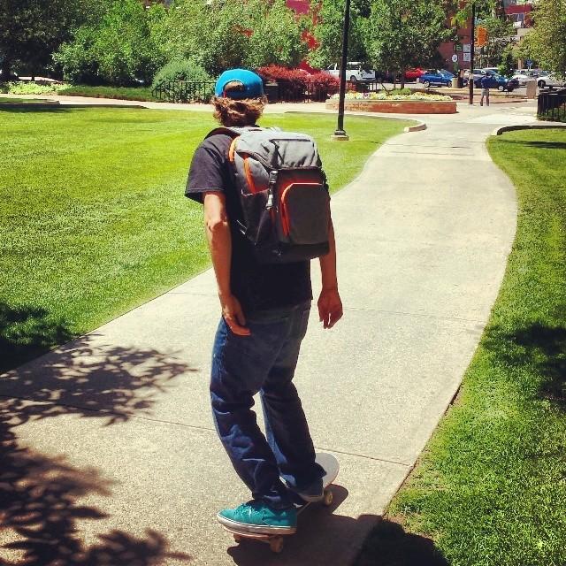#goskateboardingday #altegobags #Skatestart #style  @punkydrewster1 @rpederso