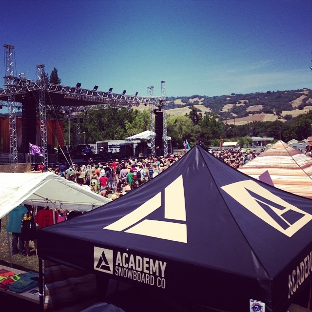 Sending good vibes from the reggae music festival!  Jah Bless! #goodmusic #goodpeople #greatsnowboards #snmv2014