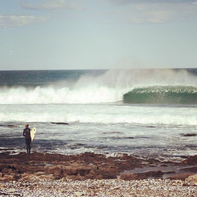 ¿Buen swell, @julianiturralde? #vanssurf #surf