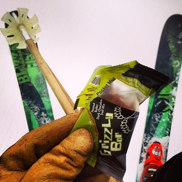 Whether you're heading on a dawn patrol before work or simply spending the day at your local mountain, @kates_real_food energy bars will keep you charging hard all day long. With GMO free ingredients from responsible organic farmers, you can have...