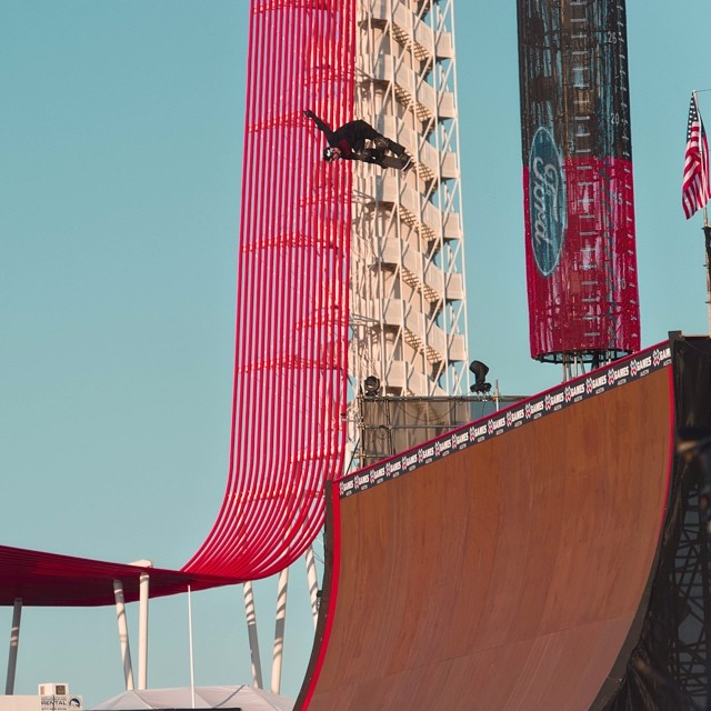 How's the view up there @bobburnquist ? #xgamesaustin #goshred  Photo: @htkhlmn