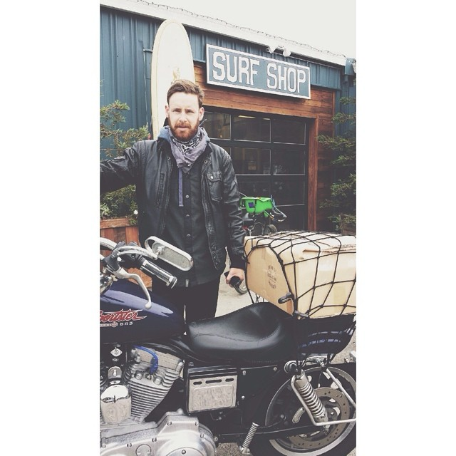 Motorbike delivery run to @prooflab on this foggy afternoon. Honk if you see this stud on the 1 @killianingitson.