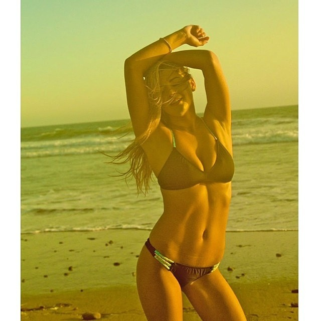 @savannaheleven making the #boho #short and #boho #surf #glow --- #photo @graphicsdiva