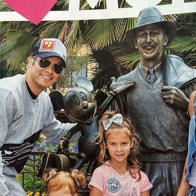 @cashwarren in a #highfivesfoundation / @bigtruckbrand collab hat in the most recent #USWeekly