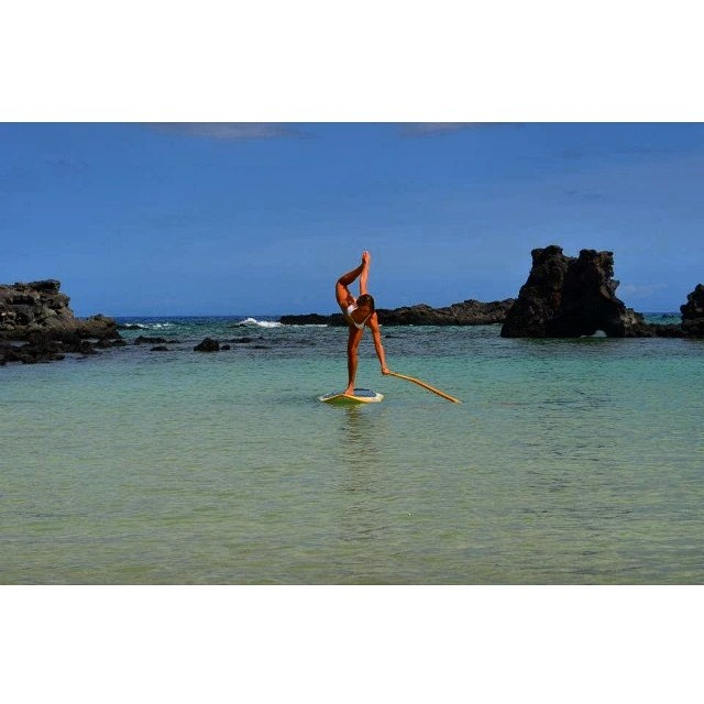 Flo-yo with Donica. Join her @fairmontorchid on Mondays & Fridays. Easy for anyone and SUPer fun!! #floatingYoga #yoga #floyo #wiseguides #odinasurf #imaginepaddlesurf #paddlehi #stand_up_paddle #hawaiirocks #fridayfunday #sup
