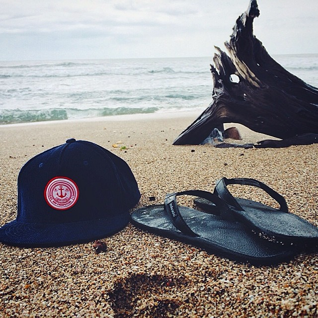 Status update from Nicaragua //@grownupkid is beachside with his @sanfranpsycho #cordanchorhat and #innertubedsandals