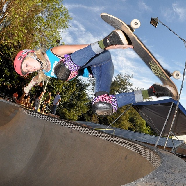 Beverly Flood above the #BeebleBowl. #skateboarding #skateboard #skate #skatelife #skatergirl