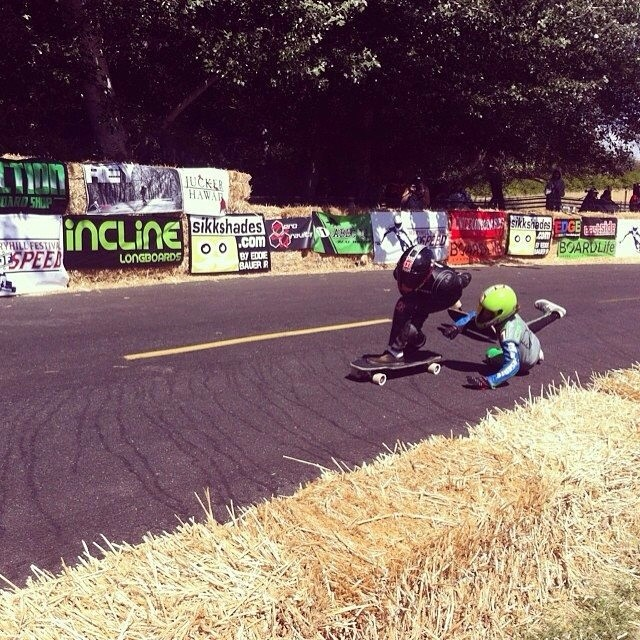 Team rider @emmetwhite holds it down and gets 2nd place for the supergroms at the Maryhill Festival of Speed. Way to go Emmet! Photo: #regram from @snack_skates  #maryhill #longboarding #mfos2014 #2ndplace #killingit #groms #portlandgroms #fast #speed...