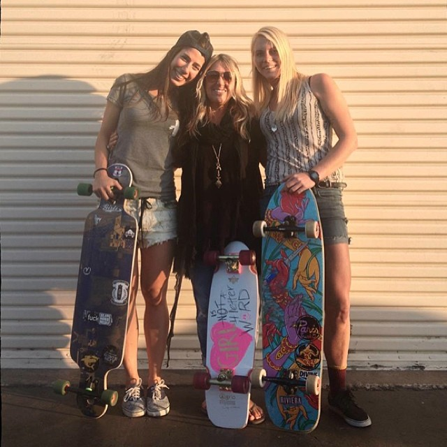 @valeriakechichian & @amandapowellskate had the honor of meeting with one of the ladies who paved the way for us in skateboarding Cindy Whitehead @sportsstylist in LA. She's love ❤️ Thanks for your constant support & inspiration!