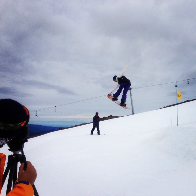 Locking in a sick crail grab! @ppppnut #mthood #snowboard #thrive @evolutionofstan
