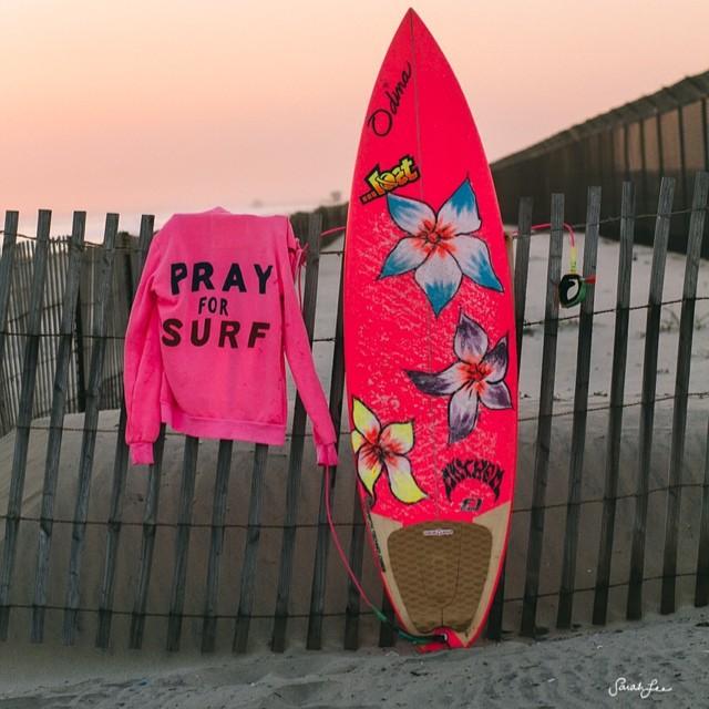 I hope Hurricane Arthur hurries up! #PrayForSurf #MarthasVineyard @aviatornation hoodie  #sarahleephoto