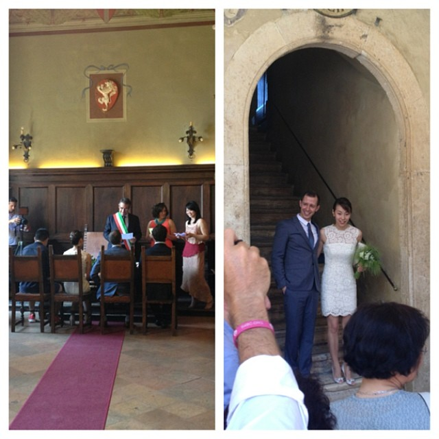 You know its an international wedding when there are 3 translators! What an incredible wedding experience! #pienza #tuscany #wedding #destinationwedding #lategram #wanderlust #travel