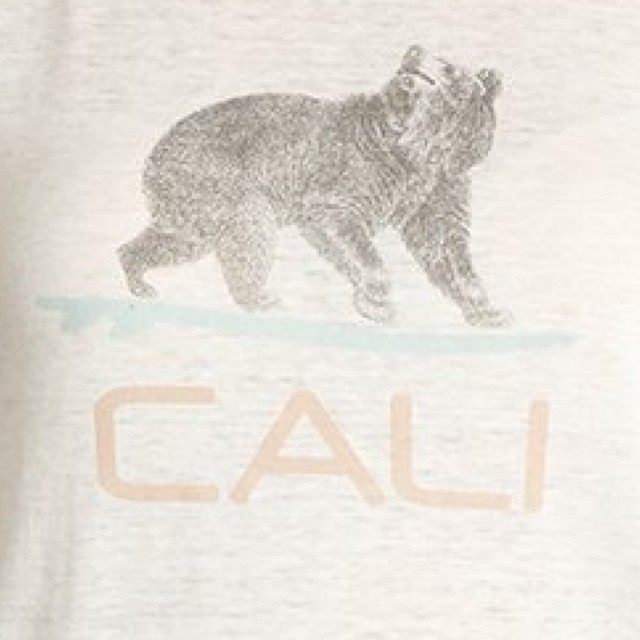 Going going back back to Cali Cali. #summer #style #cali #california #beach #fashion #graphics #westcoast