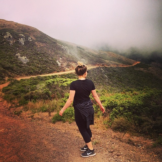 Jurassic park hike with @penelopeisfrank #cityvibes #mountainvibes #wheresthesun ☀️⛅️☁️