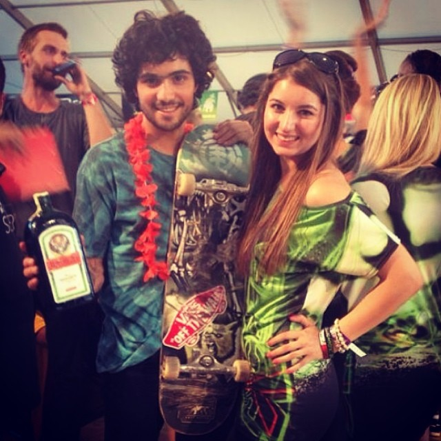 @dariomattarollo con sus premios (!!!) tras quedarse con el Best Trick en la Mystic Sk8 Cup de Praga. Groso. #vansskate #skatevans #skate