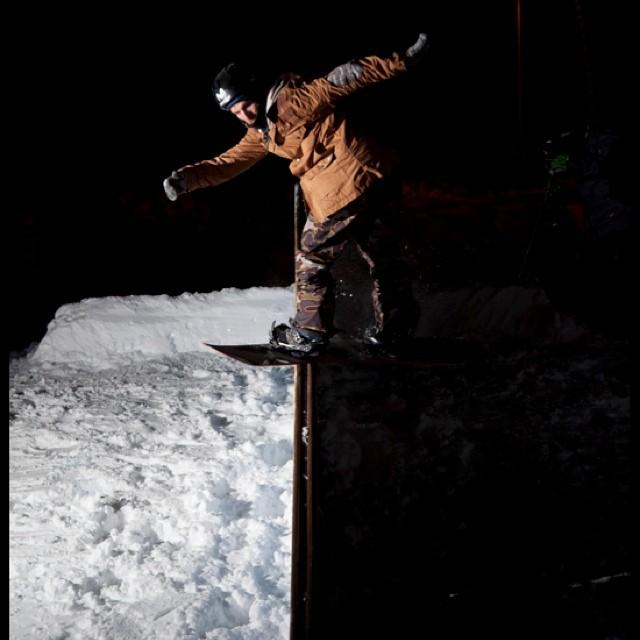 Llego el invierno y nosotros sentimos nieve! @keepjero #volcomfamily #snowboard #Volcom #rider