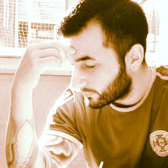 #gambito #concentrado #positivo #focus #atWork #objetivo