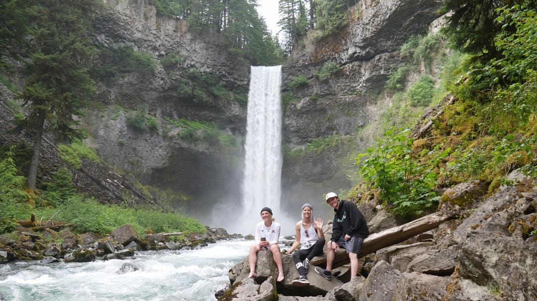 #Whistler is a #postcard  @veroniqi @ugh_bob_saget @_choooch_ chasing #waterfalls  #ecofriendly #NicheSnowboards #waterfall #nature #BC