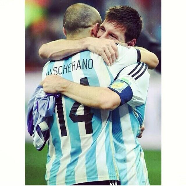 ¿Puede haber 2 capitanes en un equipo? Gracias Masche! #VamosArgentina