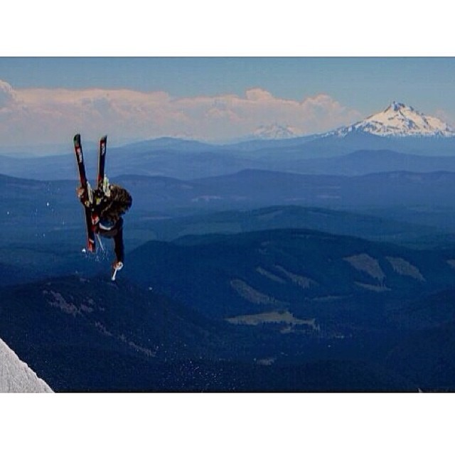 @aaronblunck maximizes his vantage point overlooking #MtJefferson on an alley oop 5.  Embrace the glacier burn Blunck!  Based on a 2008 study from Oregon State University the glaciers on Mt.Hood have declined by an average of 34% from 1907-2004.  The...